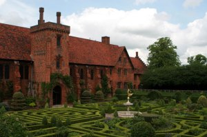 Hatfield_House_Old_Palace